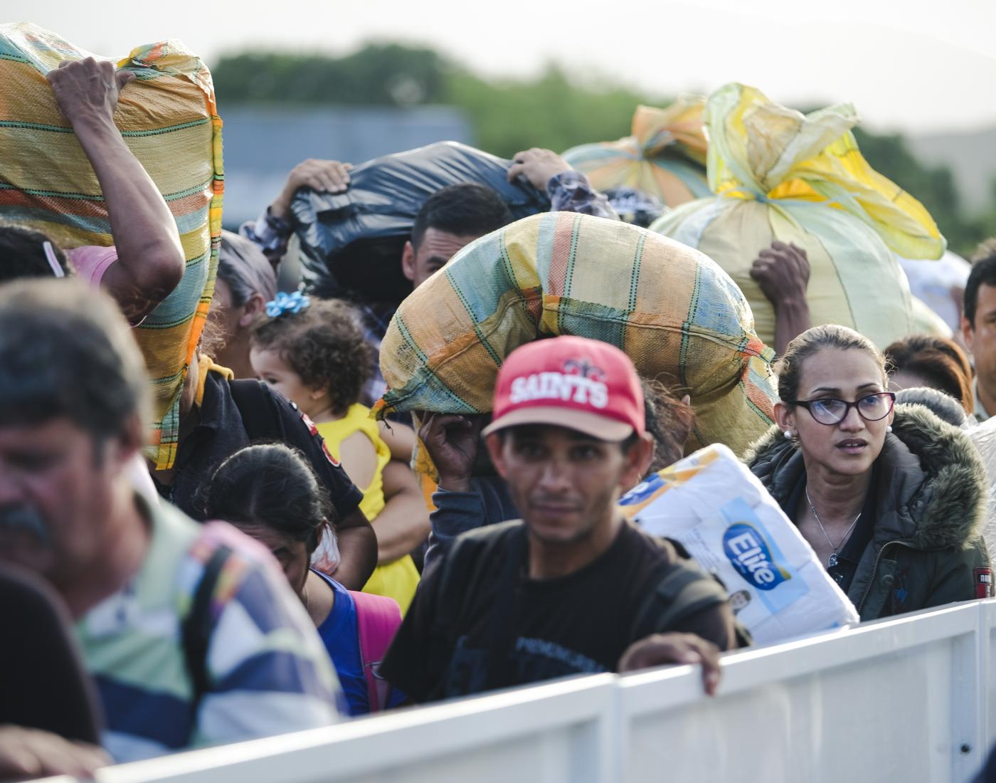 Venezuelan refugees crossing over to Colombia @Tdh Sebastian Delgado